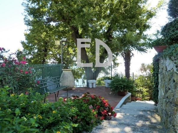 Villa-giardino-frontemare-Bergeggi (21)