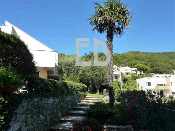 Villa-giardino-frontemare-Bergeggi (27)