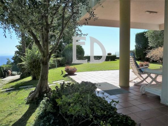 Villa-giardino-frontemare-Bergeggi (3)