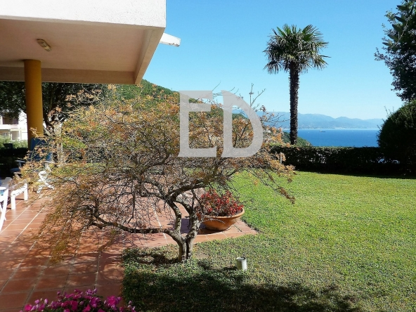 Villa-giardino-frontemare-Bergeggi (4)