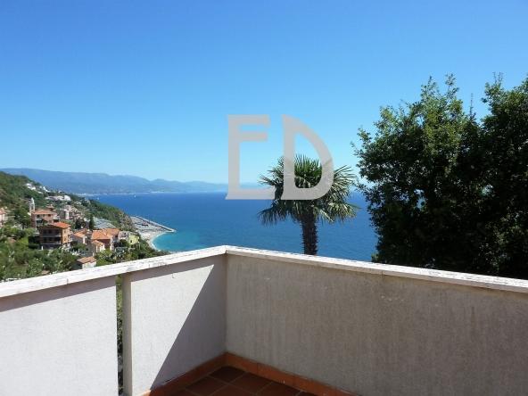 Villa-giardino-frontemare-Bergeggi (40)