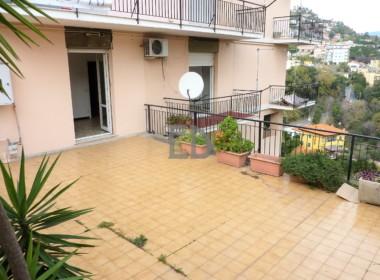 Appartamento-trilocale-terrazza-Via-Privata-Olivetta (1)