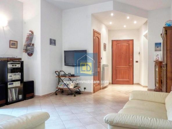 Vendita-appartamento-in-ordine-arredato-cairomontenotte 09