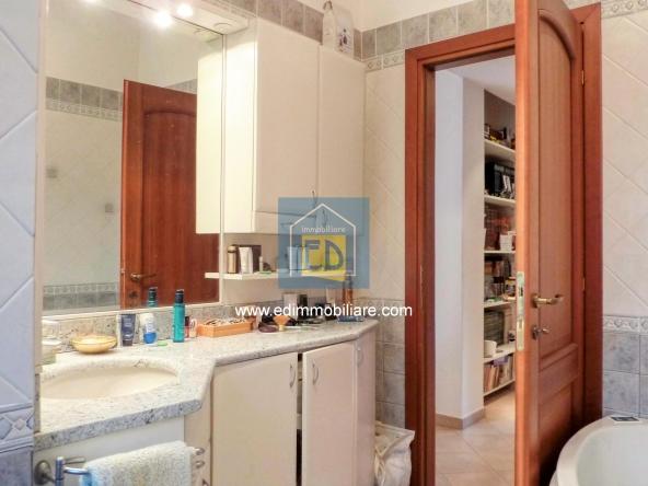 Vendita-appartamento-in-ordine-arredato-cairomontenotte 16